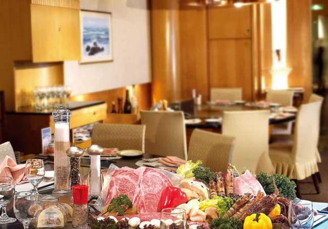 鐵板燒餐廳 - 漢來大飯店